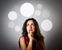 Ragazza e bolle grige immagini stock libere da diritti