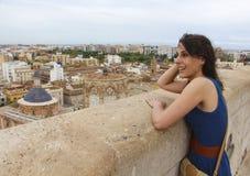 Ragazza e la vista di Valencia Fotografia Stock Libera da Diritti