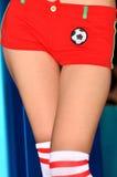 Ragazza e mutandine e calza di gioco del calcio Fotografie Stock