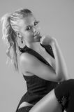 Ragazza facile di bellezza in costume nero Fotografie Stock