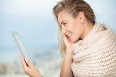 Ragazza felice con il touchpad Fotografia Stock Libera da Diritti