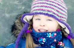 Ragazza felice sul lago congelato Fotografie Stock Libere da Diritti