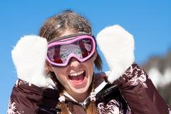 Ragazza felice sulla vacanza di inverno fotografia stock