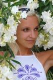 Ragazza in fiori Immagini Stock Libere da Diritti