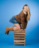 Ragazza graziosa con pelliccia Fotografie Stock Libere da Diritti