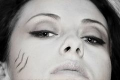 Ragazza graziosa con trucco tribale Fotografie Stock