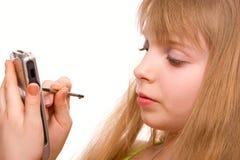 Ragazza graziosa dell'adolescente con il calcolatore della casella siolated Fotografia Stock
