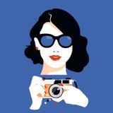 Ragazza graziosa in grandi vetri royalty illustrazione gratis
