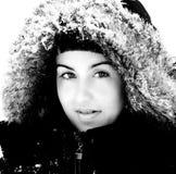 Ragazza graziosa in inverno fotografia stock libera da diritti