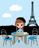 Ragazza graziosa nel caffè parigino royalty illustrazione gratis