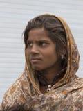 Ragazza indiana del mendicante sulla via in Leh, Ladakh L'India fotografie stock