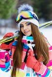 Ragazza in marcia per sciare Immagine Stock Libera da Diritti
