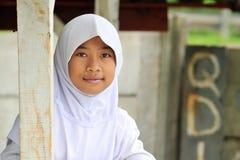 Ragazza musulmana dell'allievo dell'adolescente Immagini Stock Libere da Diritti