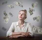 Ragazza nel bianco e nei dollari Fotografia Stock Libera da Diritti
