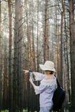 Ragazza nel legno Immagini Stock Libere da Diritti