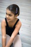 Ragazza nella classe di balletto Fotografia Stock