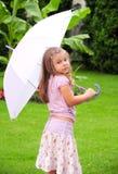 Ragazza nella pioggia immagini stock libere da diritti