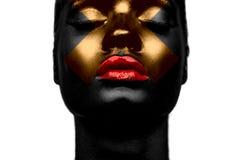 Ragazza nera con l'incrocio dell'oro Fotografie Stock