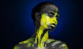 Ragazza nera gialla di bellezza di trucco della pittura Immagini Stock Libere da Diritti