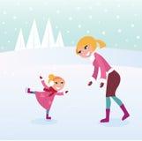 Ragazza pattinare di ghiaccio con la sua madre sullo stadio di sport Fotografie Stock Libere da Diritti