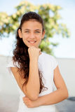 Ragazza pensierosa dell'adolescente fuori Immagini Stock Libere da Diritti