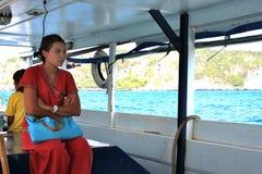 Ragazza Phi Phi Islands - in Tailandia Fotografie Stock Libere da Diritti