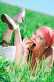 Ragazza piacevole con la mela Fotografia Stock