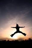 Ragazza pon pon nel cielo fotografia stock libera da diritti