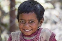 Ragazza povera del mendicante del ritratto sulla via in Leh, Ladakh L'India immagini stock