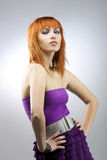 Ragazza red-haired alla moda Fotografie Stock