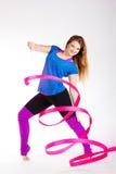 Ragazza relativa alla ginnastica del ballerino con il nastro Immagine Stock Libera da Diritti