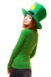 Ragazza rossa dei capelli in cappello del partito del leprechaun del giorno di San Patrizio Fotografie Stock