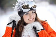 Ragazza in sciatore in vestiti luminosi Immagine Stock Libera da Diritti