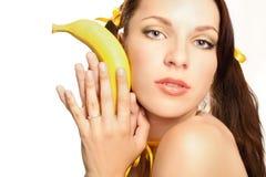 Ragazza sessuale del fronte nel colore giallo Immagine Stock Libera da Diritti