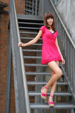Ragazza sexy sulle scale Fotografia Stock Libera da Diritti