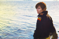 Ragazza sola nel mare Fotografia Stock Libera da Diritti