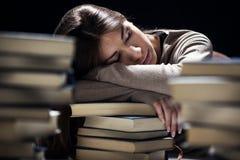 Ragazza stanca dello studente immagini stock libere da diritti