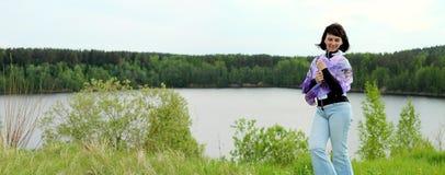 Ragazza sul lago Fotografia Stock Libera da Diritti