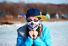 Ragazza sul paesaggio di inverno (2) Immagine Stock