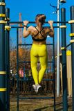 Ragazza sull'allenamento della via Fotografia Stock