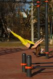 Ragazza sull'allenamento della via Fotografie Stock