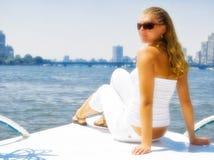 Ragazza sull'yacht Immagini Stock Libere da Diritti
