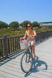 Ragazza sulla bici. Immagine Stock