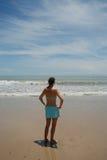Ragazza sulla spiaggia Fotografie Stock Libere da Diritti
