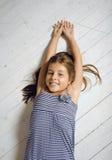 Ragazza sveglia a casa Fotografia Stock
