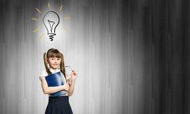 Ragazza sveglia dell'età scolare Immagini Stock Libere da Diritti