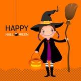 Ragazza sveglia della strega di Halloween con il manico di scopa e la zucca Fotografia Stock