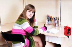Ragazza teenager intelligente Fotografie Stock Libere da Diritti