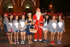 Ragazza teenager, Santa Claus, notte di Natale Fotografia Stock