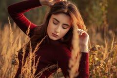 Ragazza triste di autunno fotografie stock